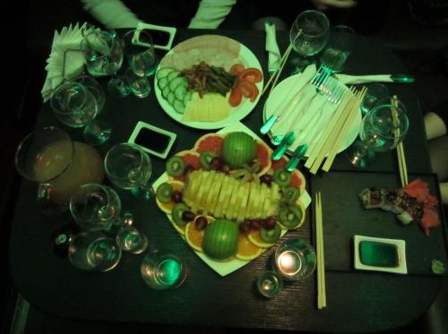 Сервировка стола (Напитки есть, но не поместились)
